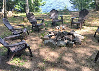 Au Train Lake lodge rental
